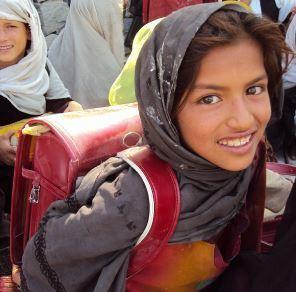 アフガニスタン女の子.JPG